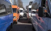 Маршрутки в Бишкеке. Архивное фото
