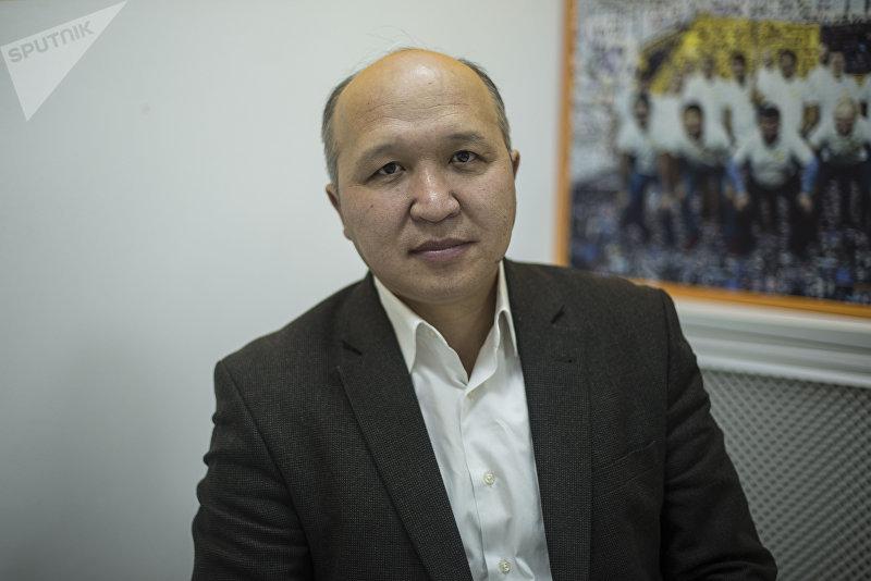 Руководитель общественного фонда Кереге Искендер Ормон уулу во время интервью Sputnik Кыргызстан