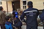 Спасатели МЧС сняли с карниза балкона второго этажа 7-летнего мальчика