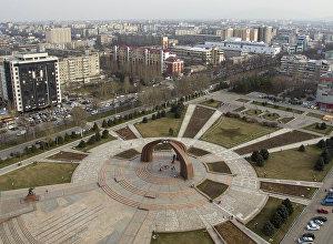 Вид на площадь Победы в центре Бишкека с высоты. Архивное фото