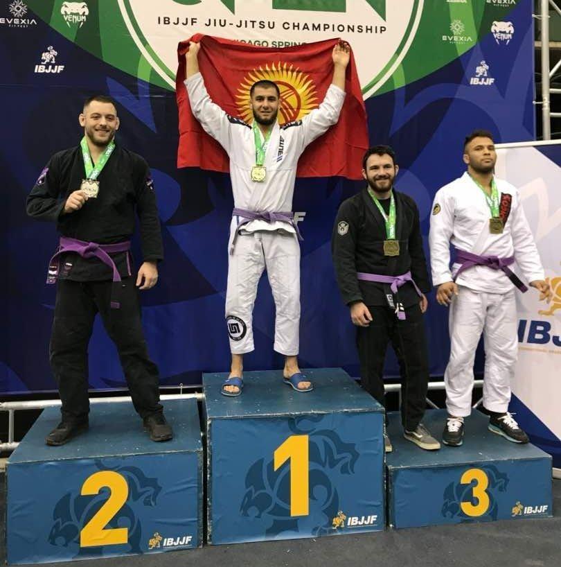 Кыргызстанский спортсмен Абдурахманажы Муртазалиев занял первое место на соревнованях по джиу-джитсу Chicago spring Open в США