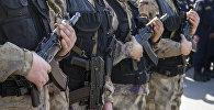 Сотрудники специального отряда быстрого реагирования (СОБР) . Архивное фото