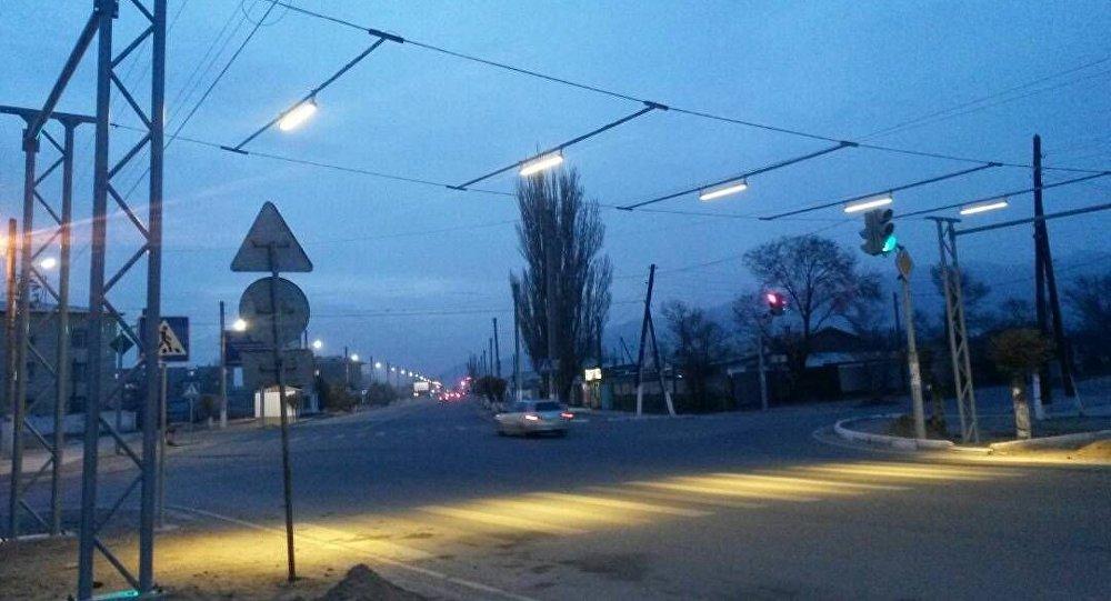 Балыкчы шаарында жарыктандырылган жол чийиндер пайда болгон