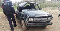 Базар-Коргон районунун Бай-Мундуз айылында эки окуучу кызды жол четинен ВАЗ 2107 үлгүсүндөгү унаа коюп кетти
