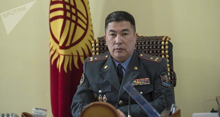 Руководитель Службы внутренних расследований МВД Скандарбек Кочербаев в рабочем кабинете