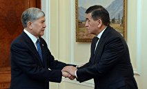 Президент Алмазбек Атамбаев принял Сооронбая Жээнбекова и Сапара Исакова