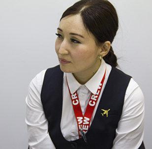 Бортпроводница авиакомпании Tez Jet 1 Назгуль Жундубаева во время интервью корреспонденту Sputnik Кыргызстан