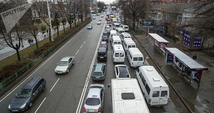 Бишкектеги коомдук транспорт. Архивдик сүрөт