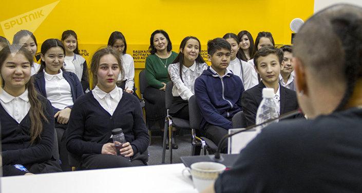 Встреча школьников с режиссером и актером Маратом Амираевым