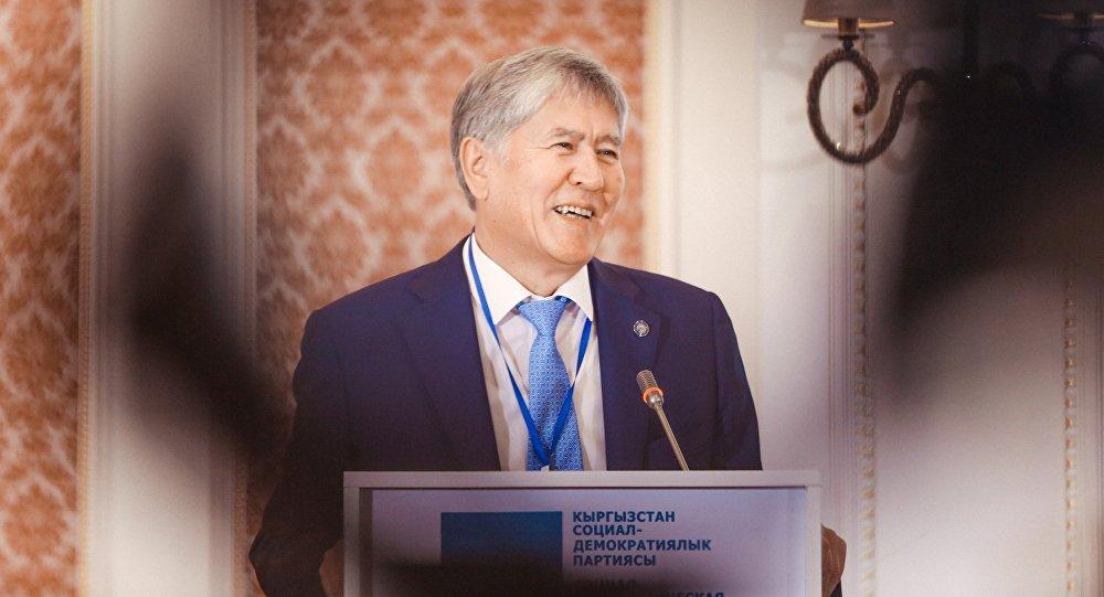 Кыргызстандын экс-президенти Алмазбек Атамбаев. Архив