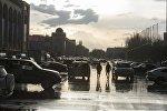 Бишкектеги жамгыр. Архивдик сүрөт