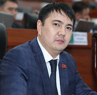 Жогорку Кеңештин депутаты Марлен Маматалиевдин архивдик сүрөтү