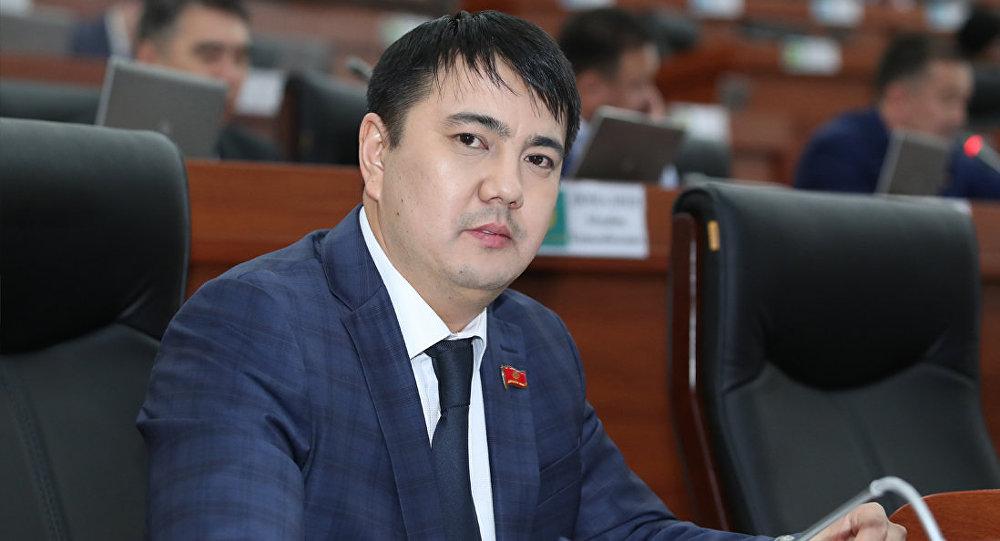 ЖК депутаты Марлен Маматалиевдин архивдик сүрөтү