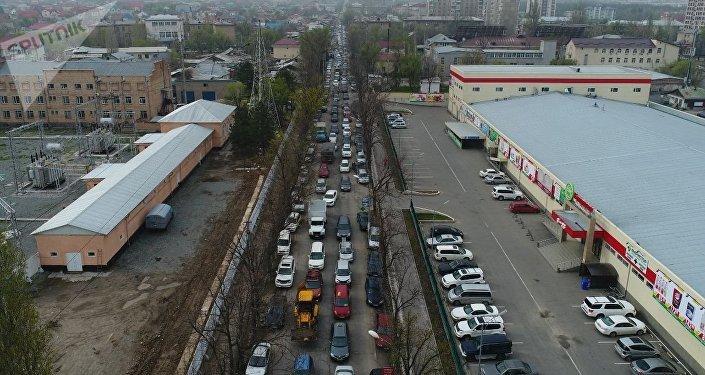 2 апреля водители весь день бастовали, требуя повысить тарифы на проезд и отменить страхование пассажиров