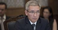 Председатель правления Российско-Кыргызского фонда развития Эркин Асрандиев на заседании совета фонда