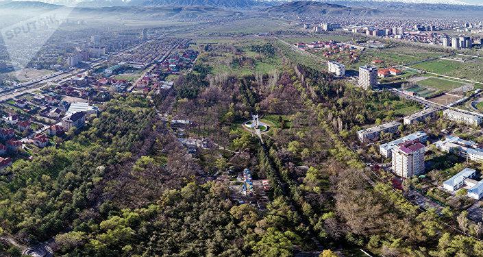 Кемаль Ататүрк атындагы парк. Архивдик сүрөт