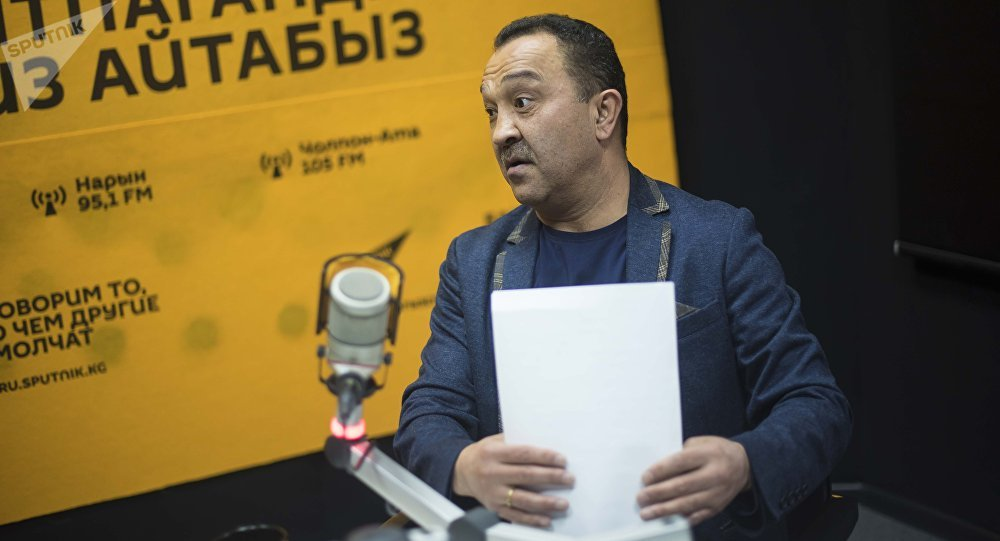 Ички иштер министрлиги менен соттошуп жаткан Орзубек Назаров. Архивдик сүрөт