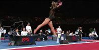 Гимнастка показала чудеса акробатики под музыку Майкла Джексона — видео