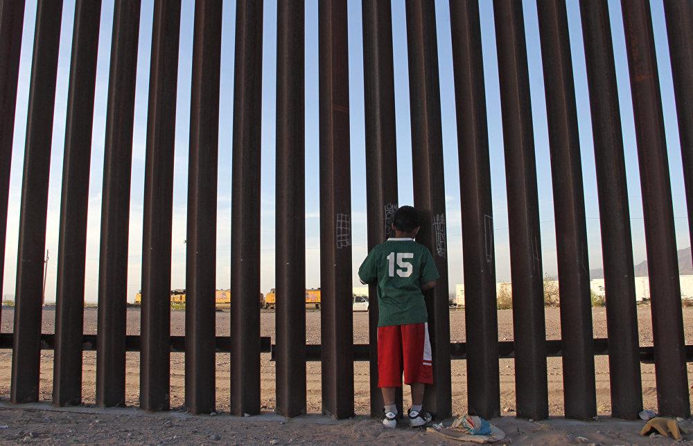 Строительство стены на границе США и Мексики