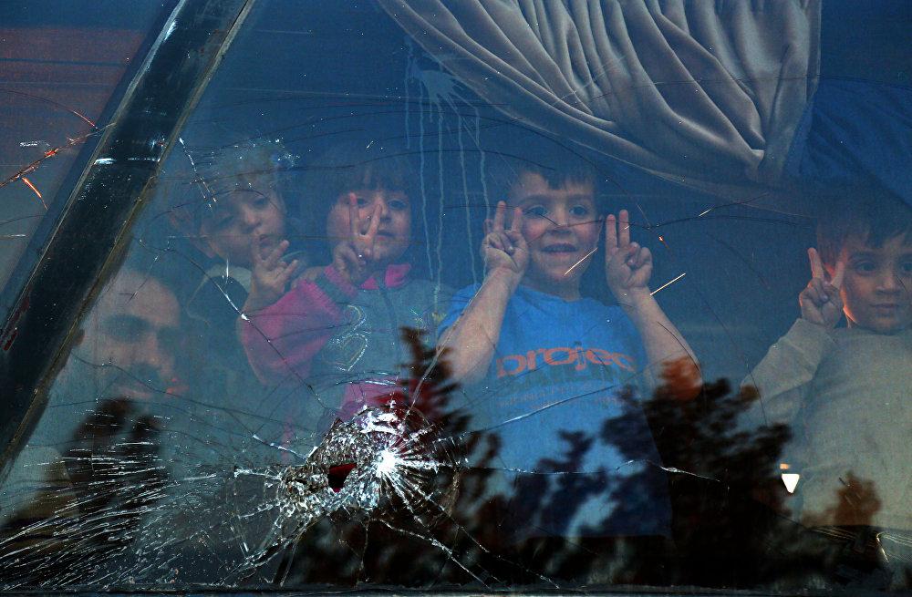 Эвакуация жителей из Восточной Гуты в Сирии