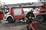 Сотрудник противопожарной службы МЧС РФ. Архивное фото