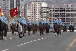 40 атчандын коштоосунда келген Жээнбековду Эрдоган тосуп чыкты. Видео