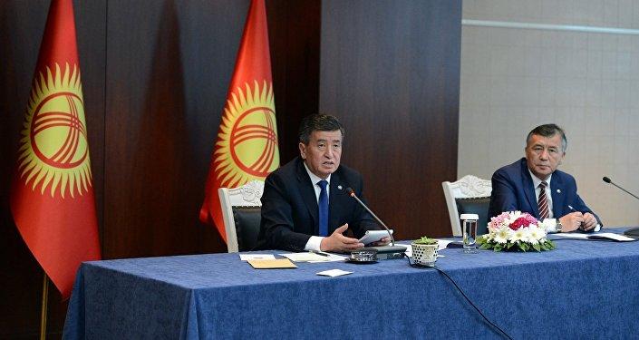 На встрече с кыргызстанцами Жээнбеков рассказал об итогах переговоров с турецким коллегой