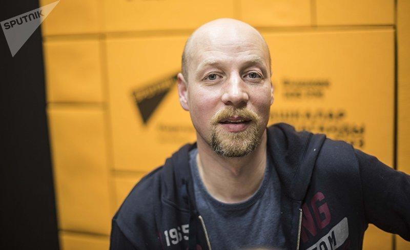 Директор по связям с общественностью Яндекс. Такси Владимир Исаев во время интервью корреспонденту Sputnik Кыргызстан