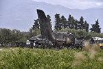 На месте крушения военного самолета на севере Алжира. 11 апреля 2018 года