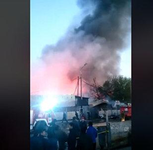 Пожар на территории Ошского рынка в Бишкеке