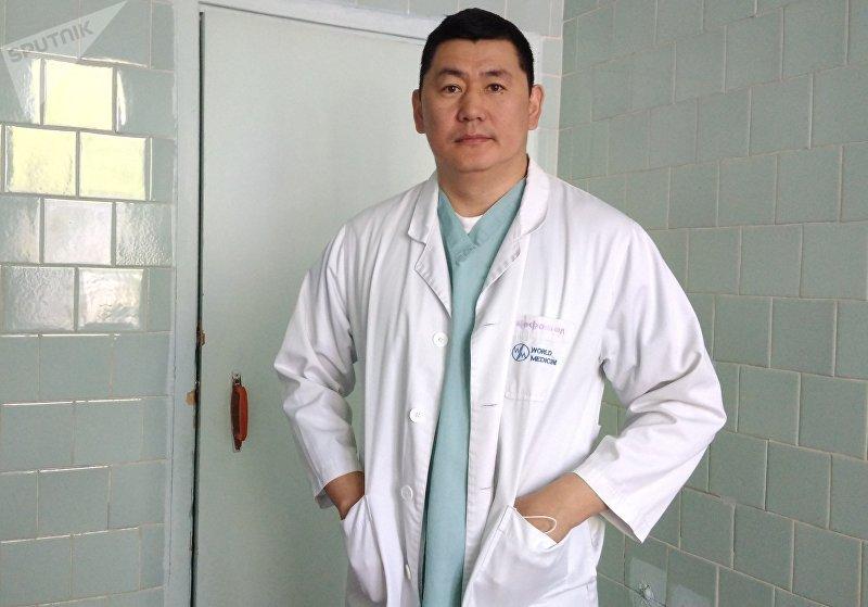 Врач-онкодерматолог Алмаз Якубов. Архивное фото