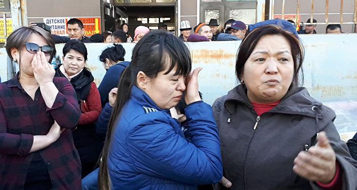 На Ошском рынке были конфликты между продавцами и милицией — видео