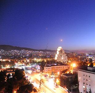 Ракета видна над Дамаском запущенная военными США. Архивное фото