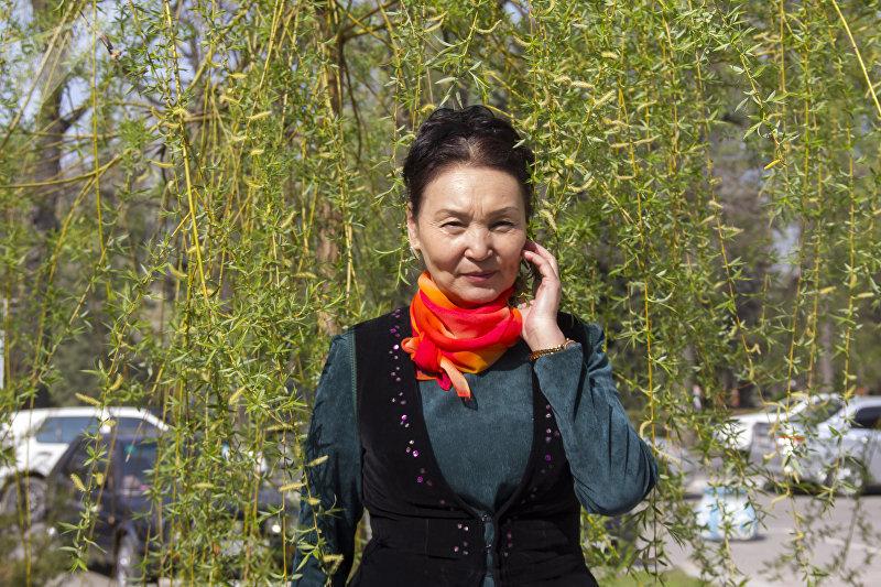 Заслуженная артистка Кыргызской Республики Тынара Абдразаева