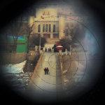 Аялдар Кытайдын Тумэнь шаары менен Түндүк Кореяны бириктирген Намян көзөмөл өткөрүү бекетиндеги көпүрөдөн өтүп баратышат