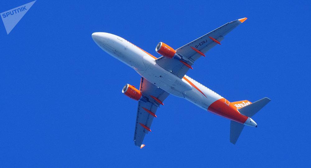 EasyJet. авиакомпаниянын учагы. Архивдик сүрөт