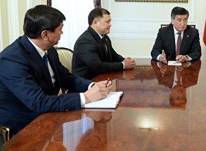 Президент Сооронбай Жээнбеков ЖК коалициясынын лидерлери менен жолугушуу учурунда. Архив