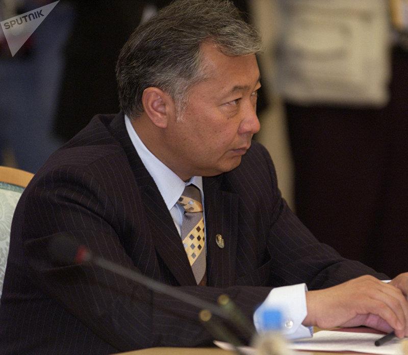 И.о. президента Кыргызстана, премьер-министр КР Курманбек Бакиев во время рабочей встречи глав государств СНГ