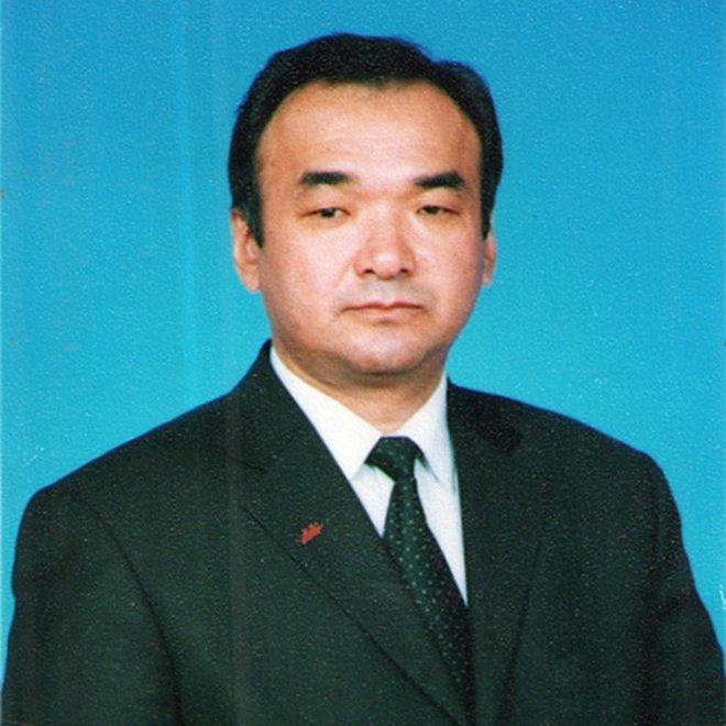 Бывший премьер-министр и  министр сельского хозяйства Азимбек Исабеков (29 января 2007 — 29 марта 2007)