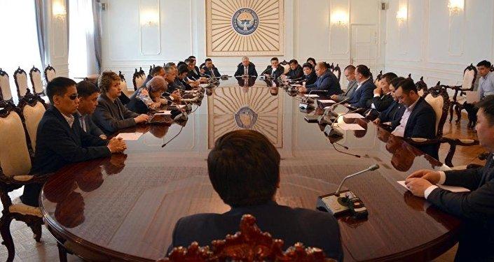 Фракция СДПК представила кандидатуру Мухаммедкалыя Абулгазиева на пост премьер-министра