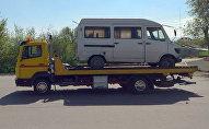 В Бишкеке маршрутное такси въехало в забор на пересечении улиц Медерова и 7 Апреля, погиб мужчина