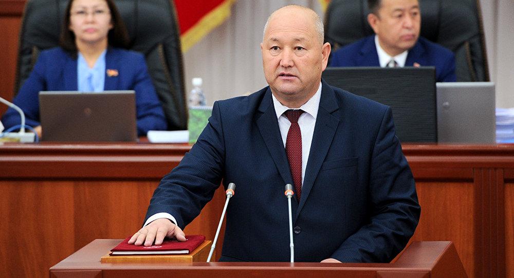 Архивное фото вице-премьер министра КР Жениша Разакова