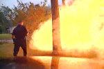 В Техасе дом взорвался за секунды до того, как вошел полицейский, — видео