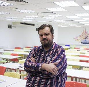 Спортивный комментатор Василий Уткин. Архивное фото