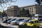 Здание Правительства КР в Бишкеке. Архивное фото