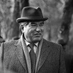 Чингиз Айтматов родился 12 декабря 1928 года в селе Шекер Таласской области