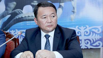 Кандидат на пост генерального прокурора КР Откурбек Жамшитов во время рассмотрения в Жогорку Кенеше