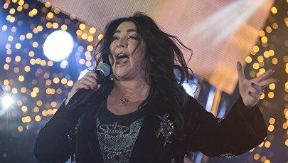 Архивное фото певицы Лолиты Милявской