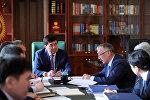 Премьер-министр Мухаммедкалый Абылгазиев бүгүн күз-кыш мезгилинен өтүү жыйынтыктары боюнча кеңешме өткөрдү