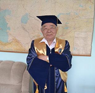 Архивное фотографии кыргызского общественного и государственного деятеля Ишенбая Абдуразакова